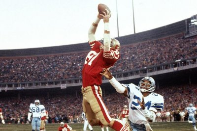San Francisco 49ers to honor Dwight Clark with statue of 'The Catch'