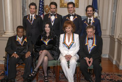 Reba McEntire, Cher lauded at Kennedy Center Honors