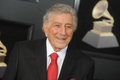 Tony Bennett shares battle with Alzheimer's disease