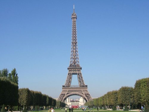 Striking employees close Eiffel Tower