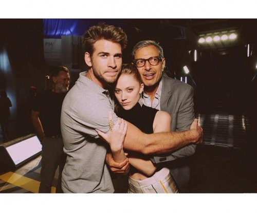 Liam Hemsworth, Maika Monroe reportedly dating