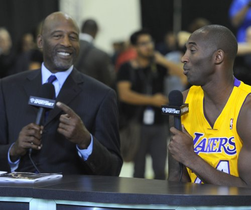 Los Angeles Lakers hire James Worthy to work with coaching staff