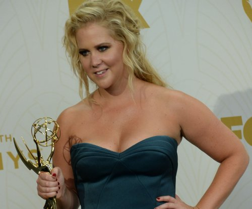 Amy Schumer to receive Hollywood Comedy Award