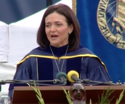 Facebook COO to UC Berkeley grads: 'Live as if you had eleven days left'