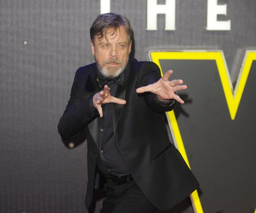 Mark Hamill shows support for female fan wanting to cosplay as Luke Skywalker
