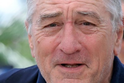Robert De Niro on Donald Trump: 'I'd like to punch him in the face'