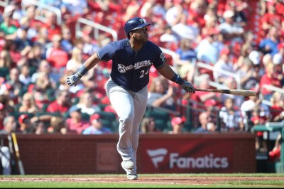 Brewers hope to keep slugging vs. Dodgers