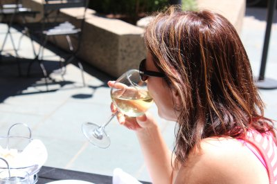 Study: Heavy drinking into old age increases health risks