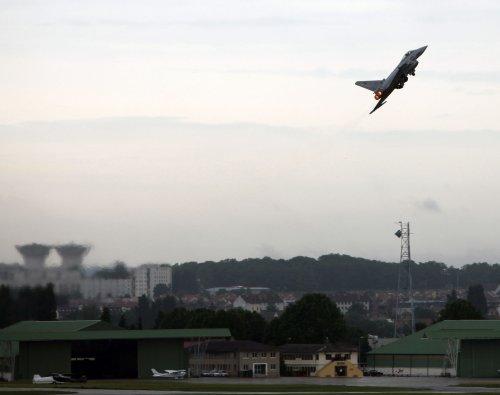 U.K., Saudi Arabia discuss fighter sales