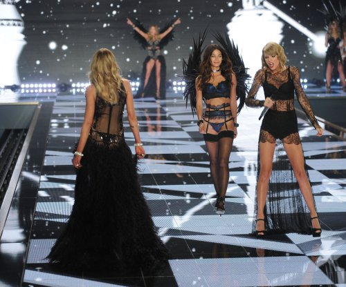Taylor Swift, Ariana Grande perform in lingerie at Victoria's Secret Fashion Show