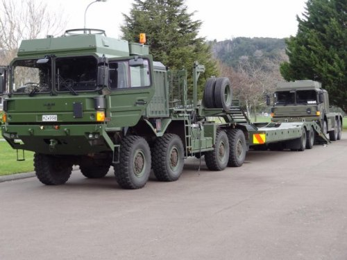 New Zealand military receives medium heavy military trucks