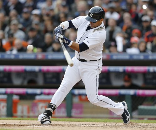 Detroit Tigers' Victor Martinez strains hamstring