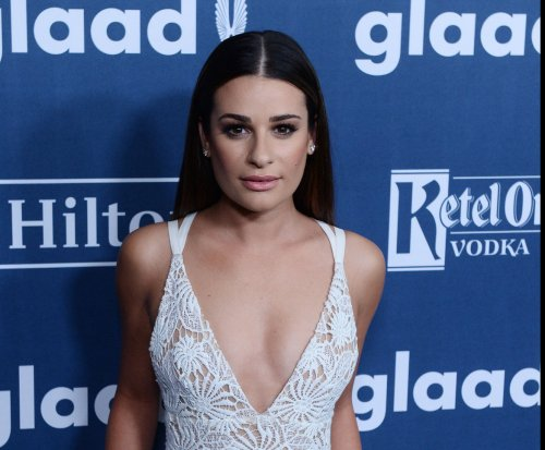 Lea Michele dating 'iZombie' actor Robert Buckley