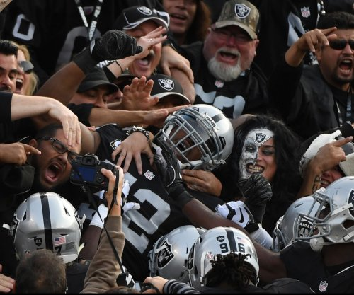 Feel-good story: Keeping Raiders in Oakland