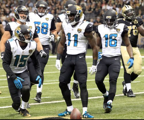 Jacksonville Jaguars WR Marqise Lee coolly throws touchdown pass