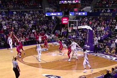 Lauri Markkanen helps No. 5 Arizona defeat Washington
