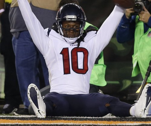 Houston Texans, DeAndre Hopkins thinking long-term deal