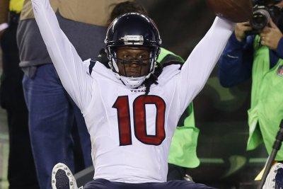 Houston Texans, DeAndre Hopkins thinking long-term deal