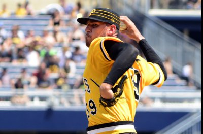 Pirates fighting to get back in it vs. Brewers
