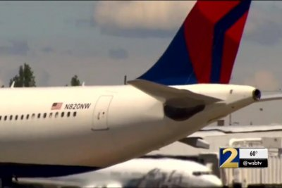 Delta apologizes after passenger sits in dog poop