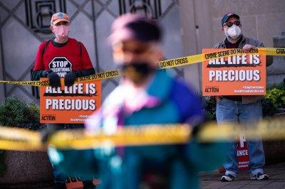 U.S. government executes Brandon Bernard for Texas slayings