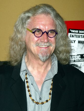 Billy Connolly in car accident, uninjured