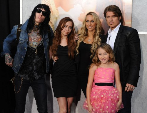 Billy Ray Cyrus calls off divorce plans