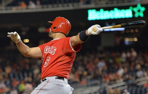 Angels rout the Phillies