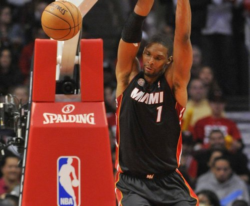 Bosh, Miami Heat down New York Knicks