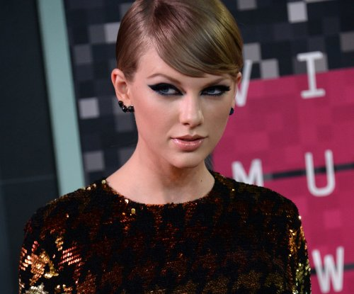 Taylor Swift to launch video game through Glu Mobile