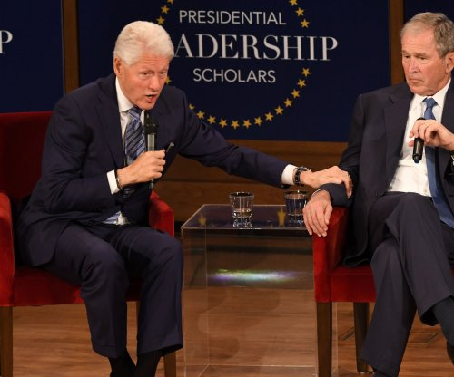 Watch: Bill Clinton, George Bush have conversation at Dallas event