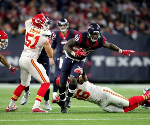 Houston Texans agree to terms with RB Alfred Blue