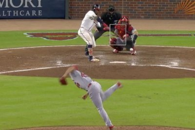 Cardinals' Jordan Hicks Ks Braves' Ozzie Albies on filthy sinker