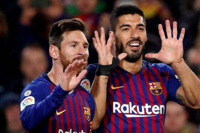 Lionel Messi, Luis Suarez lead Barcelona over Eibar