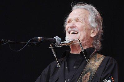 CMA Awards: Kris Kristofferson to receive Willie Nelson Lifetime Achievement Award