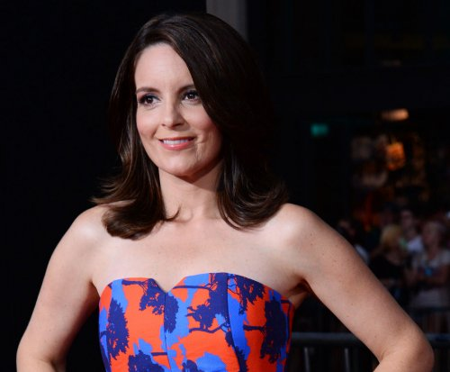 Tina Fey: Jokes about Bill Cosby not off limits at Golden Globes
