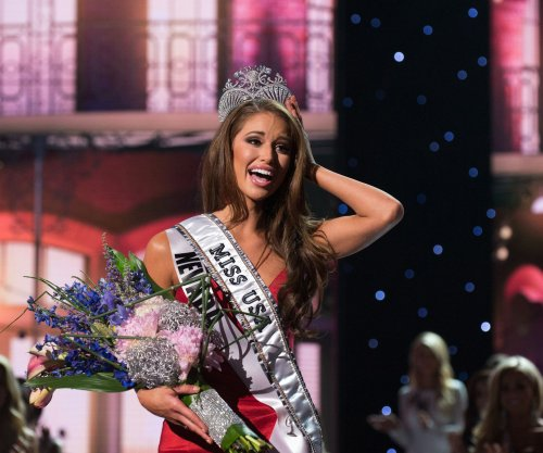 Trump sues Univision; hosts drop out of Miss USA pageant