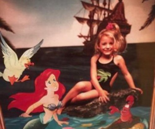 Blake Lively promotes 'The Shallows' with cute throwback post