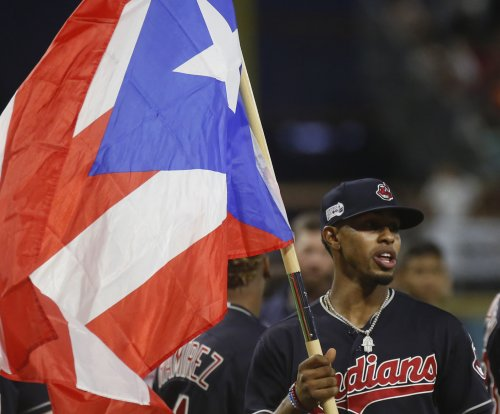 Indians' Francisco Lindor clubs emotional homer in Puerto Rico homecoming