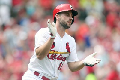 Paul DeJong lifts Cardinals over Reds with 2-run homer