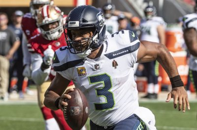 Seahawks to put star QB Russell Wilson on IR; RB Chris Carson out vs. Steelers