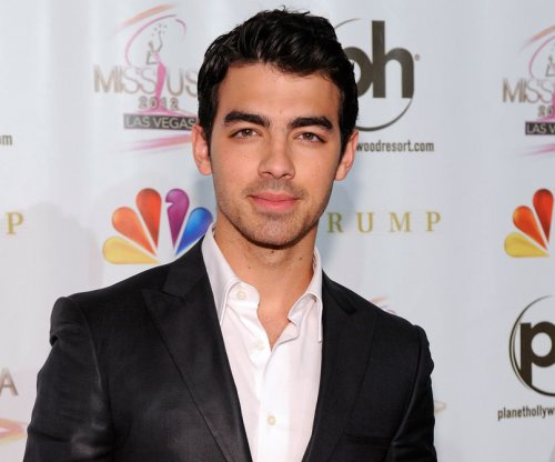 Joe Jonas on Taylor Swift: 'She's great. We're friends.'