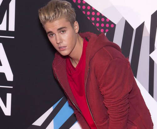 Justin Bieber uses street artists to announce 'Purpose' track list