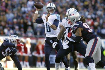 Fantasy Football: Tennessee Titans QB Marcus Mariota exits with hamstring injury