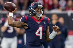 Fantasy football: DeShaun Watson, Aaron Rodgers top Week 10 quarterback rankings
