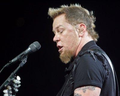 Metallica singer felled by food poisoning