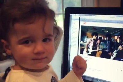 Watch Kevin Jonas' daughter dance to Jonas Brothers