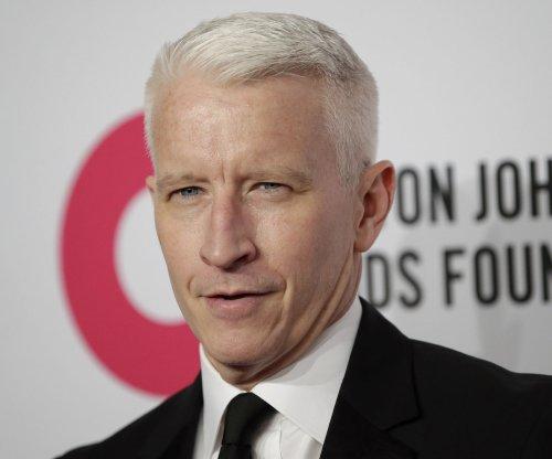Anderson Cooper, Mario Lopez address 'Live' hosting rumors