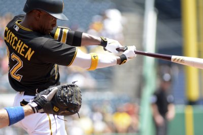 Andrew McCutchen's homer powers Pittsburgh Pirates past Arizona Diamondbacks