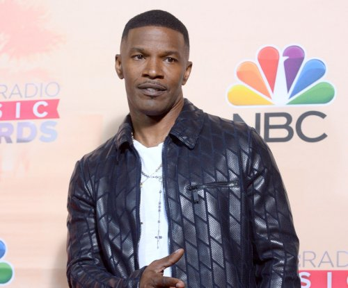 Jamie Foxx set to host Hurricane Harvey telethon: 'Texas hang in there'
